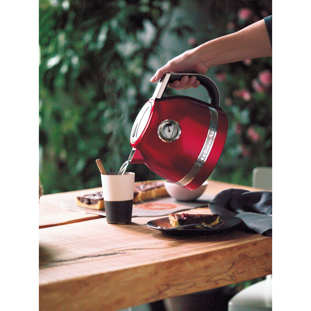 Kitchenaid artisan 1.5l kettle - empire red