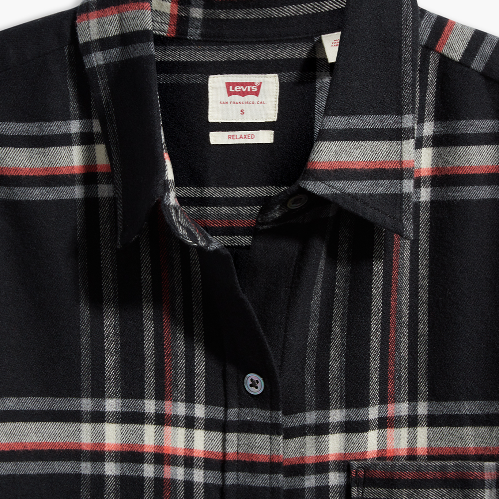 The Relaxed Shirt Cavier Black